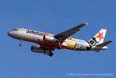"MMPI_20200127_MMPI0063_0015 - Jetstar Airways Airbus A320-232 VH-JQX ""Hertz"" livery as flight JQ824 on approach to Brisbane (YBBN) ex Sydney (YSSY)."