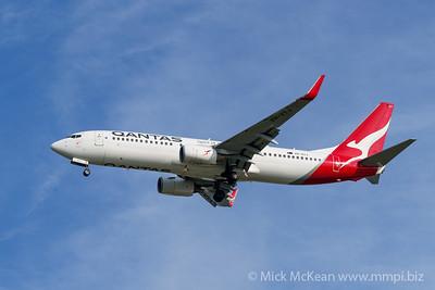 MMPI_20200127_MMPI0063_0003 - Qantas Boeing 737-838 VH-VYJ as flight QF596 on approach to Brisbane (YBBN) ex Perth (YPPH).