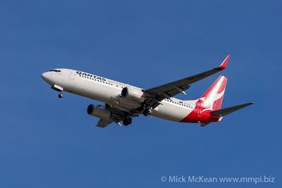 MMPI_20200127_MMPI0063_0014 - Qantas Boeing 737-8FE VH-VZX as flight QF562 on approach to Brisbane (YBBN) ex Sydney (YSSY).