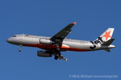 MMPI_20200202_MMPI0063_0017 - Jetstar Airbus A320-232 VH-VQR as flight JQ935 on approach to Brisbane (YBBN) ex Cairns (YBCS).
