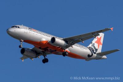 MMPI_20200202_MMPI0063_0016 - Jetstar Airbus A320-232 VH-VQR as flight JQ935 on approach to Brisbane (YBBN) ex Cairns (YBCS).