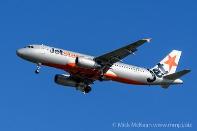 MMPI_20200202_MMPI0063_0012 - Jetstar Airbus A320-232 VH-VQE as flight JQ484 on approach to Brisbane (YBBN) ex Newcastle (YWLM).