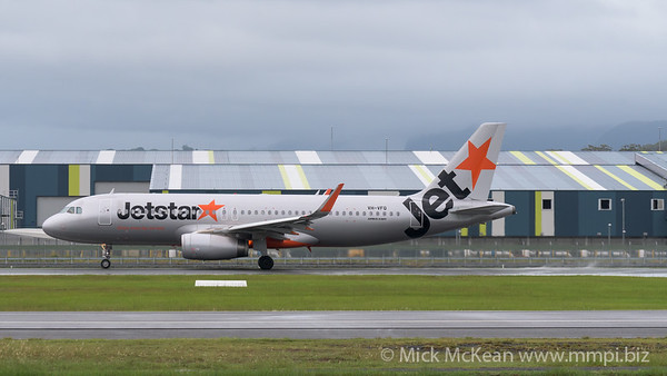 MMPI_20200208_MMPI0063_0017 - Jetstar Airbus A320-232 VH-VFQ as flight JQ193 begins its takeoff roll from Gold Coast Airport (YBCG) bound for Queenstown (NZQN).