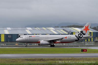MMPI_20200208_MMPI0063_0010 - Jetstar Airbus A320-232 VH-VQH as flight JQ401 begins its takeoff roll at Gold Coast Airport (YBCG) bound for Sydney (YSSY).