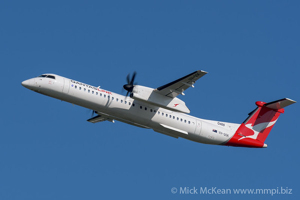 MMPI_20200215_MMPI0063_0002 - QantasLink Bombardier Q400 VH-QOK as flight QF2342 climbs after takeoff from Brisbane Airport (YBBN) bound for Gladstone (YGLA).