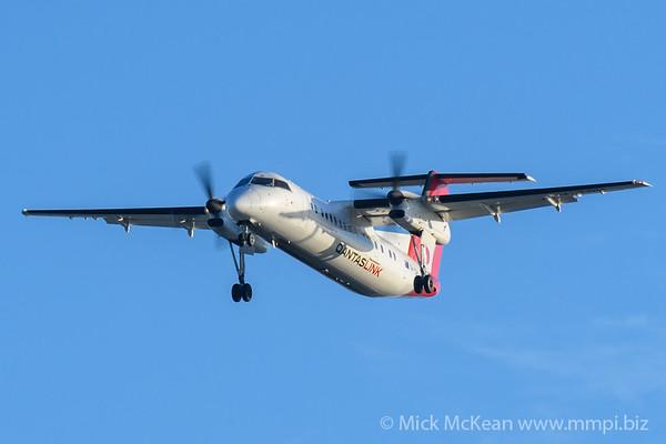 MMPI_20200215_MMPI0063_0032 - QantasLink Bombardier Q300 VH-TQH as flight QLK671 on approach to Brisbane (YBBN) ex Roma (YROM).