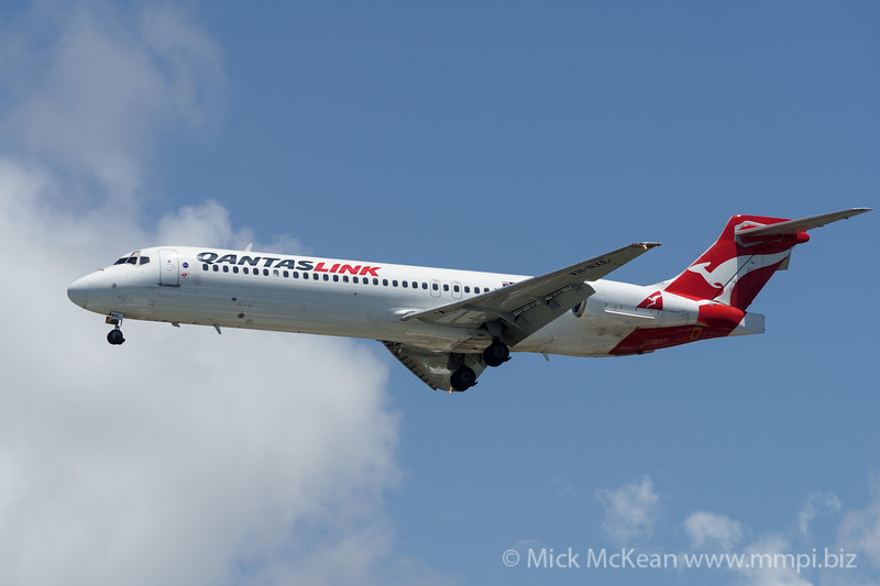 MMPI_20200216_MMPI0063_0070 - QantasLink Boeing 717-23S VH-NXE as flight QF1568 on approach to Gold Coast Airport (YBCG) ex Sydney (YSSY).