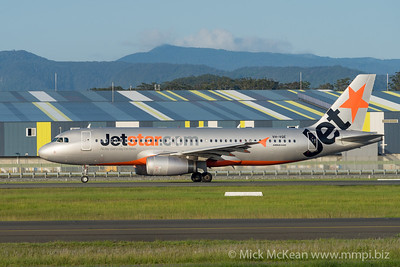 MMPI_20200216_MMPI0063_0006 - Jetstar Airbus A320-232 VH-VQE as flight JQ401 begins its takeoff roll at Gold Coast Airport (YBCG) bound for Sydney (YSSY).