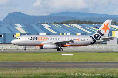 MMPI_20200216_MMPI0063_0015 - Jetstar Airbus A320-232 VH-VGO as flight JQ167 begins its takeoff roll at Gold Coast Airport (YBCG) bound for Wellington (NZWN).