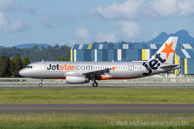 MMPI_20200216_MMPI0063_0016 - Jetstar Airbus A320-232 VH-VGO as flight JQ167 begins its takeoff roll at Gold Coast Airport (YBCG) bound for Wellington (NZWN).