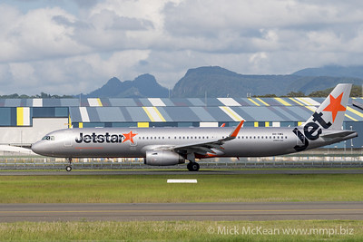 MMPI_20200216_MMPI0063_0024 - Jetstar Airbus A321-231 VH-VWQ as flight JQ435 begins its takeoff roll at Gold Coast Airport (YBCG) bound for Melbourne (YMML).