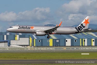 MMPI_20200216_MMPI0063_0018 - Jetstar Airbus A321-231 VH-VWQ as flight JQ430 on approach to Gold Coast Airport (YBCG) ex Melbourne (YMML).