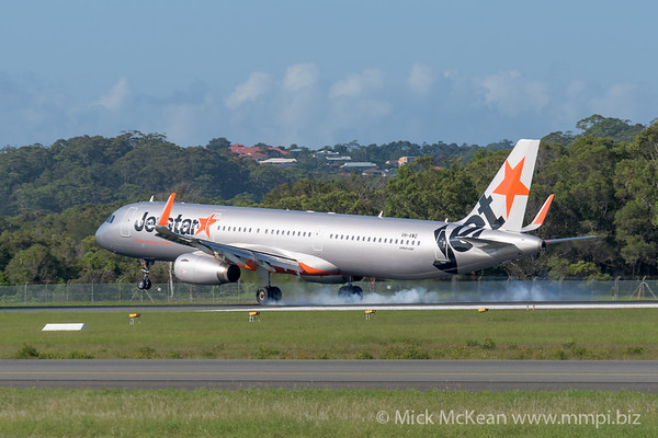 MMPI_20200216_MMPI0063_0019 - Jetstar Airbus A321-231 VH-VWQ as flight JQ430 touches down at Gold Coast Airport (YBCG) ex Melbourne (YMML).
