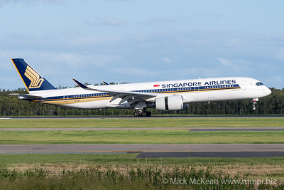 MMPI_20200229_MMPI0063_0005 - Singapore Airlines Airbus A350-941 9V-SHF as flight SQ265 touching down and beginning to apply reverse thrust at Brisbane Airport (YBBN) ex Singapore (WSSS).