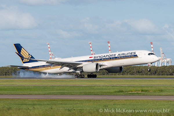 MMPI_20200229_MMPI0063_0004 - Singapore Airlines Airbus A350-941 9V-SHF as flight SQ265 touches down at Brisbane Airport (YBBN) ex Singapore (WSSS).