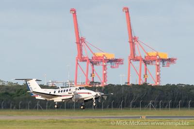 MMPI_20200229_MMPI0063_0035 - Royal Flying Doctor Service Beech B200C Super King Air VH-FDT landing at Brisbane Airport (YBBN) ex Barcaldine (YBAR).