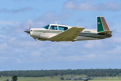 _MM57197 -  Mooney M20J VH-MVO takes off from 2020 Clifton fly-in.