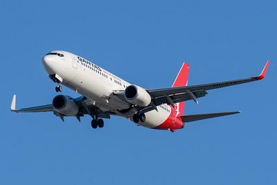 "MMPI_20200322_MMPI0063_0003 - Qantas Boeing 737-838 VH-VYZ ""Torquay"" as flight QF58 on approach to Brisbane Airport (YBBN) ex Port Moresby (AYPY)."