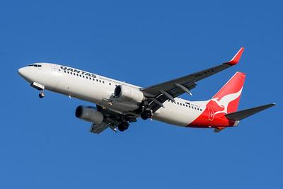 "MMPI_20200322_MMPI0063_0005 - Qantas Boeing 737-838 VH-VYZ ""Torquay"" as flight QF58 on approach to Brisbane Airport (YBBN) ex Port Moresby (AYPY)."
