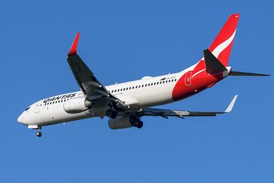"MMPI_20200322_MMPI0063_0006 - Qantas Boeing 737-838 VH-VYZ ""Torquay"" as flight QF58 on approach to Brisbane Airport (YBBN) ex Port Moresby (AYPY)."