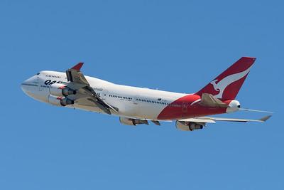 "MMPI_20200715_MMPI0063_0008 - Qantas Boeing 747-438(ER) VH-OEJ ""Wunala"" as flight QF747 takes off for its Brisbane farewell joy flight to celebrate retirement of the Qantas 747 fleet."