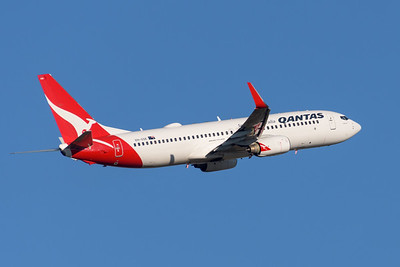 """MMPI_20200715_MMPI0063_0016 - Qantas Boeing 737-838 VH-VXK """"Katherine"""" as flight QF821 takes off from Brisbane (YBBN) en route for Canberra (YSCB)."""