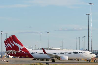 _MM59901 - Qantas Boeing 737-838 VH-XZD parked in short-term storage.