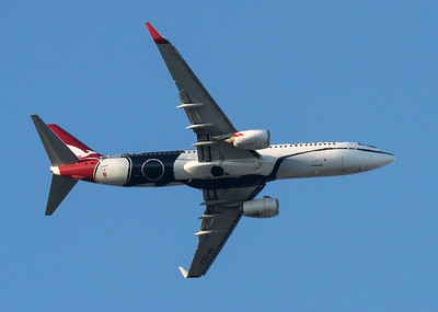 "_7R46277 - Qantas Boeing 737-838 VH-XZJ ""Mendoowoorrji"" (Mendoowoorrji Livery) as flight QF825 turns on final to Brisbane (YBBN) ex Darwin (YPDN)."