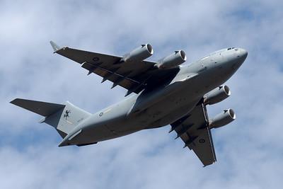 MMPI_20201001_MMPI0063_0007 - Royal Australian Air Force Boeing C-17A Globemaster III A41-210 climbing after takeoff.