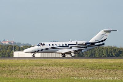 MMPI_20201126_MMPI0063_0008 - MachJet International Cessna 525A CitationJet CJ2 VH-ZIY taxiing after landing at Brisbane (YBBN).