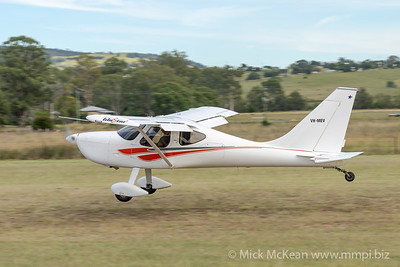 MMPI_20210220_MMPI0079_0030 -  Glasair GlaStar GS-1 VH-MEV landing at the Airsport Qld breakfast fly-in.