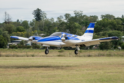 MMPI_20210220_MMPI0079_0054 -  Piper PA-34-220T Seneca VH-YSA landing at the Airsport Qld breakfast fly-in.