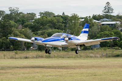 MMPI_20210220_MMPI0079_0053 -  Piper PA-34-220T Seneca VH-YSA landing at the Airsport Qld breakfast fly-in.