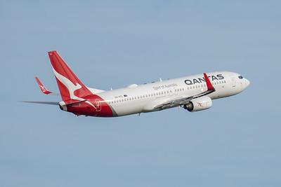 MMPI_20210227_MMPI0078_0008 - Qantas Boeing 737-838 VH-VYL as flight QF511 climbing after takeoff from Brisbane (YBBN) en route for Sydney (YSSY).