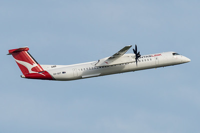 MMPI_20210227_MMPI0078_0001 - QantasLink Bombardier Q400 VH-QOT climbing after takeoff from Brisbane (YBBN) en route to Rockhampton (YBRK).