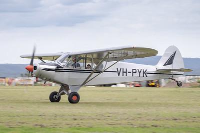 MMPI_20210411_MMPI0078_0015 -  Piper PA-18-150 Super Cub VH-PYK landing at Auster Meet April 2021.
