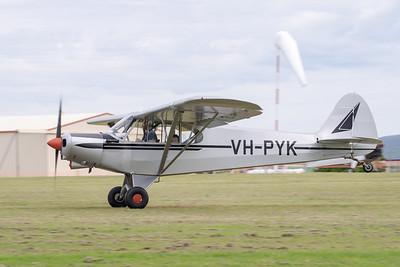 MMPI_20210411_MMPI0078_0016 -  Piper PA-18-150 Super Cub VH-PYK landing at Auster Meet April 2021.