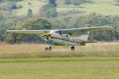 MMPI_20210418_MMPI0083_0019 -  Cessna 182P Skylane VH-TTJ landing at Watts for Breakfast fly-in April 2021.