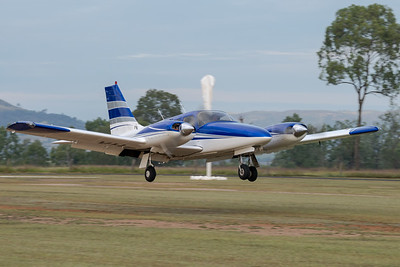 MMPI_20210509_MMPI0081_0007 -  Piper PA-34-220T Seneca VH-YSA landing at the Gatton Airpark Mother's Day fly-in.