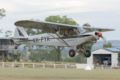 MMPI_20210509_MMPI0081_0003 -  Piper PA-18-150 Super Cub VH-PYK on approach at the Gatton Airpark Mother's Day fly-in.