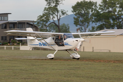 MMPI_20210509_MMPI0081_0013 -  Aerpro EuroFox 3K 24-8881 landing at the Gatton Airpark Mother's Day fly-in.