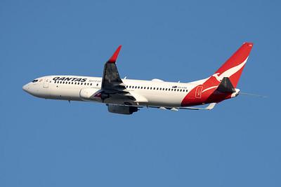 "MMPI_20210520_MMPI0078_0005 - QANTAS Boeing 737-838 VH-VXB ""Yananyi"" takes off from Brisbane (YBBN)."