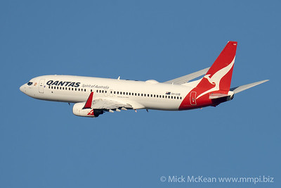 "MMPI_20210520_MMPI0078_0006 - QANTAS Boeing 737-838 VH-VXB ""Yananyi"" takes off from Brisbane (YBBN)."