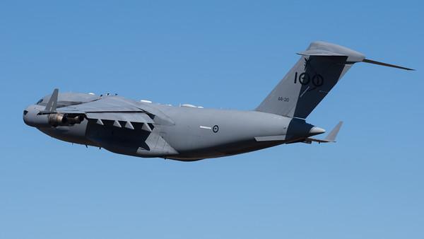 _7R49512 - Royal Australian Air Force Boeing C-17A Globemaster III A41-210 takes off from RAAF Amberley (YAMB).