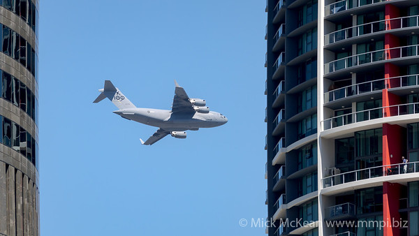 MMPI_20210923_MMPI0078_0005 - Royal Australian Air Force Boeing C-17A Globemaster III A41-206 performing its flying display practice for Brisbane Festival Riverfire 2021.