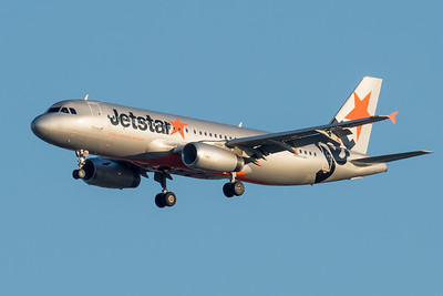 _7R47666 - Jetstar Airbus A320-232 VH-VFI as flight JQ783 on approach to Brisbane (YBBN) ex Adelaide (YPAD).