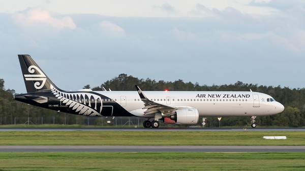 MMPI_20200229_MMPI0063_0079 - Air New Zealand Airbus A321-271NX ZK-NNE as flight NZ734 begins its takeoff roll at Brisbane Airport (YBBN) bound for Auckland (NZAA).