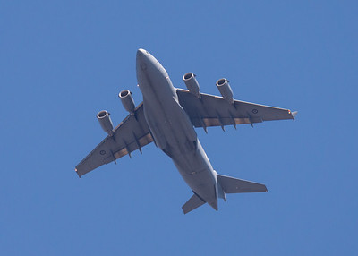 MMPI_20201001_MMPI0063_0018 - Royal Australian Air Force Boeing C-17A Globemaster III A41-212 flies overhead on return to base.