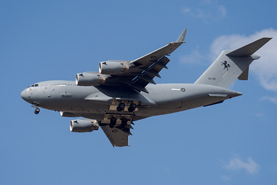 MMPI_20201001_MMPI0063_0031 - Royal Australian Air Force Boeing C-17A Globemaster III A41-212 on approach.