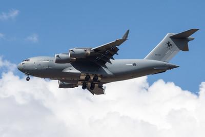 MMPI_20201001_MMPI0063_0027 - Royal Australian Air Force Boeing C-17A Globemaster III A41-210 on approach.